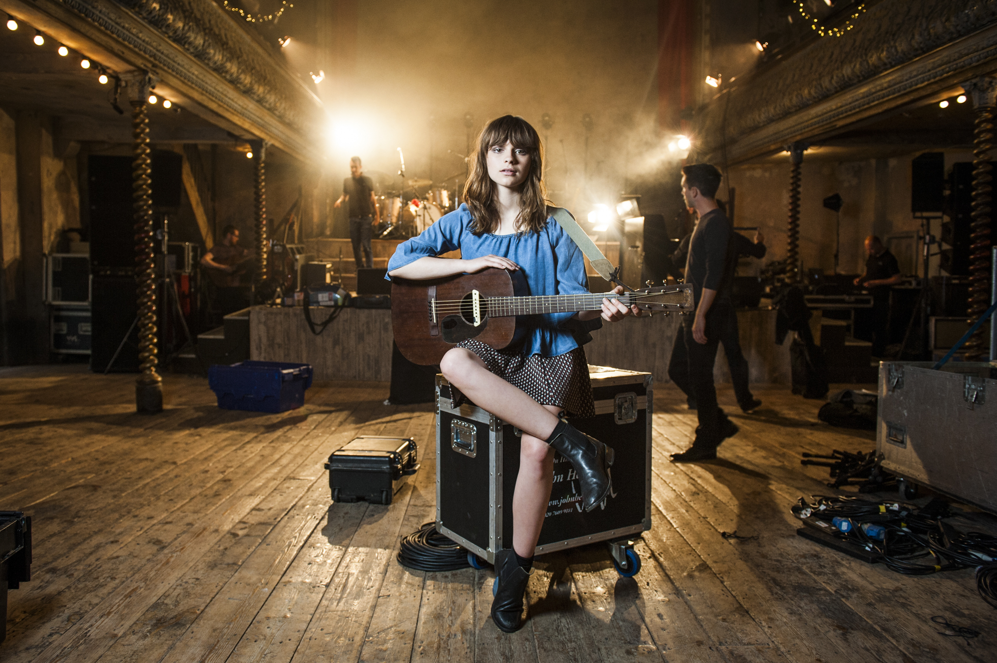 Gabrielle Aplin – GUITAR & BASS